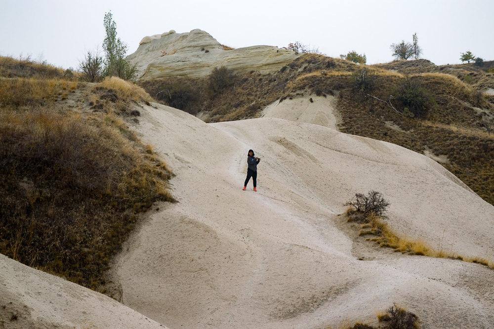 Sapanida, struggling on the slippery sand