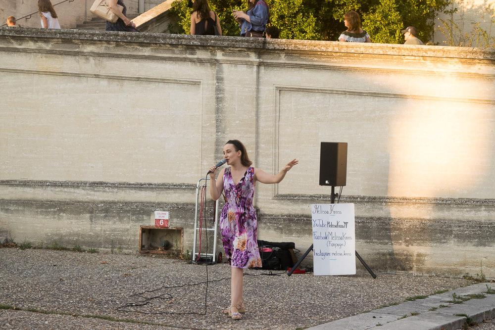 Melissa Kross performing at Avignon